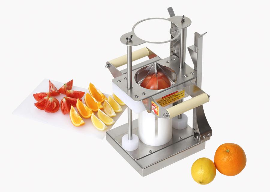 上から押し切るタイプ。鋭い刃物で柔らかめの果実も潰しません