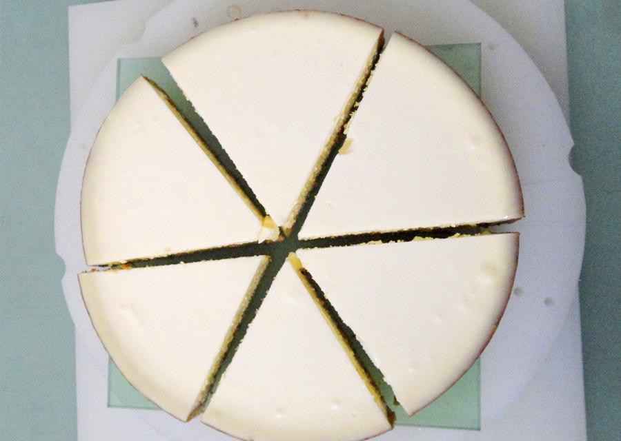 【カット例】レアチーズケーキ6分割