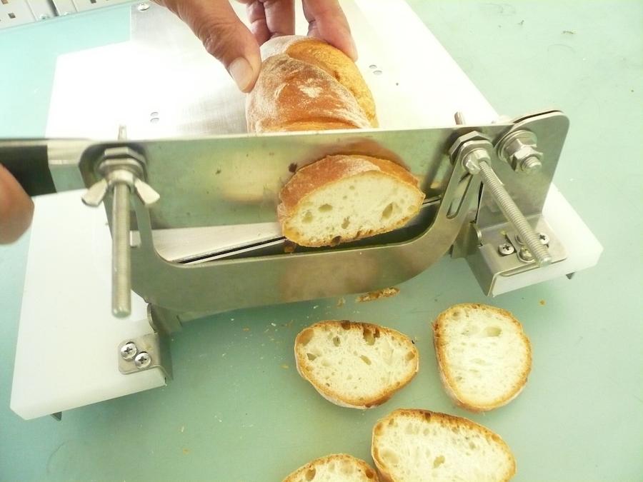 【カット例】固いフランスパンのスライスも