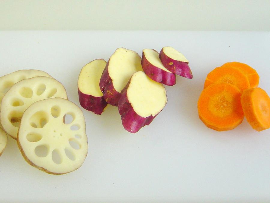 【カット例】サツマイモ・れんこん・人参などの輪切りに