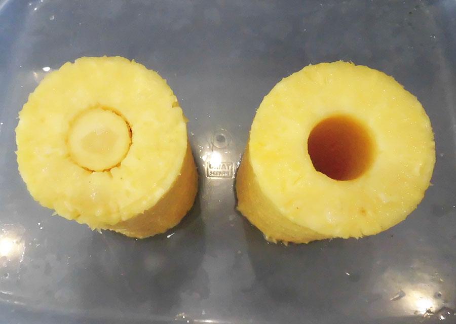 左:芯を残した状態。右:芯を抜いた状態。
