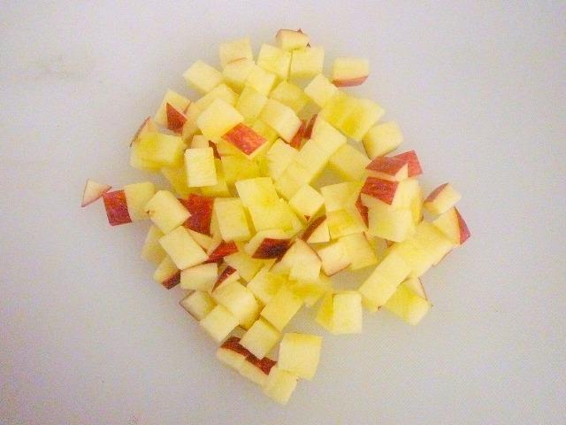 【カット例】りんご(スライス後のものをカット)