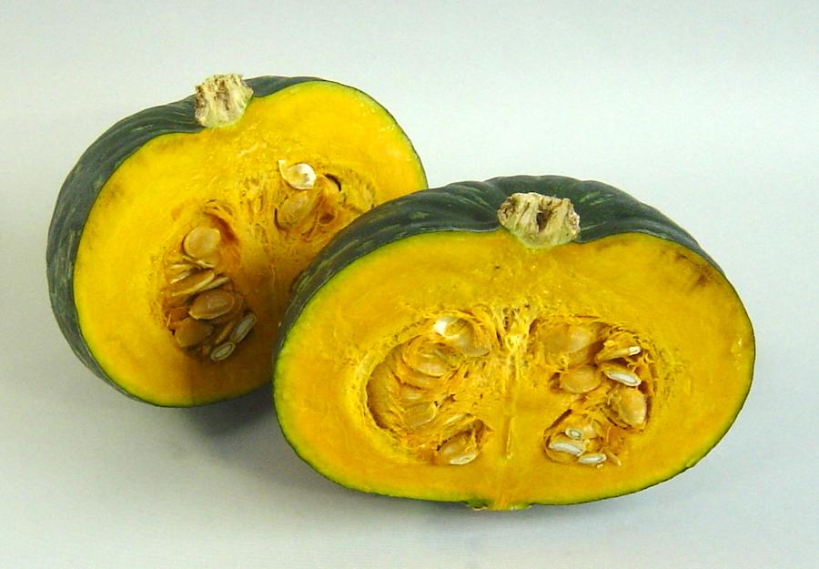 固いかぼちゃもラクに、きれいに2等分